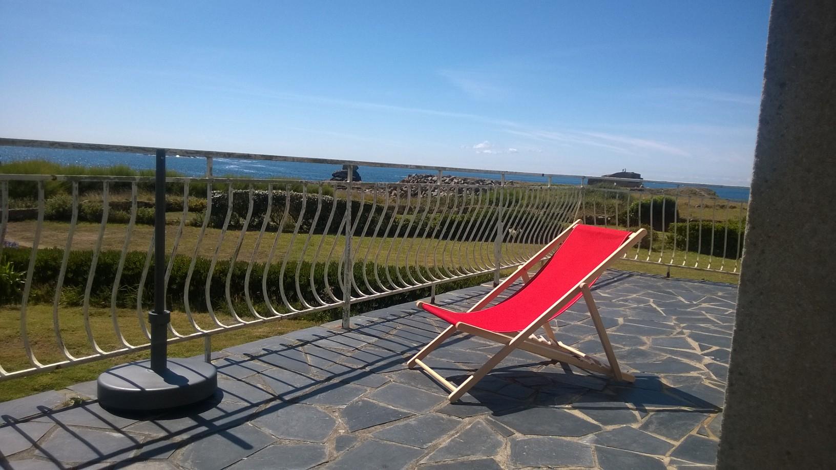a louer maison de vacances familiales les pieds dans l 39 eau avec vue panoramique sur la mer. Black Bedroom Furniture Sets. Home Design Ideas