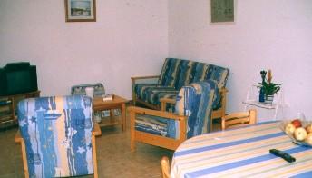Wohn -Esszimmer (2 Fotos)
