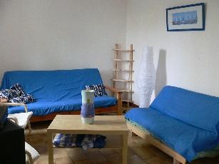 Wohnzimmer mit Küche ( 2 Fotos)